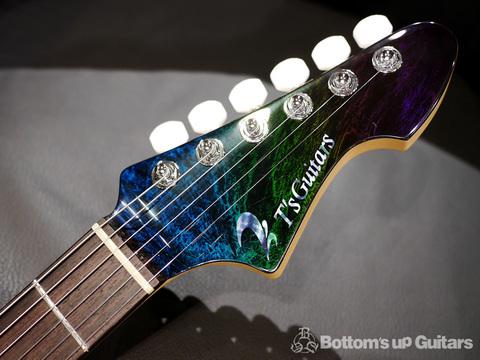 「DST-Classic 24 -Flare Flourite-」最新カラーリングがカッコイイティーズギターのショウモデルです。
