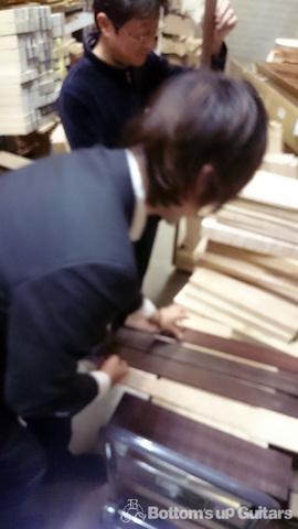 T's Guitars(ティーズギター) 木材タッピング体験
