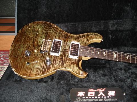 10年前のデジカメで昔の楽器店風に商品撮影してみた Photo by SONY DSC-W50