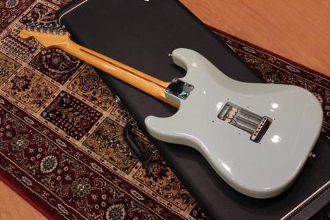 Fender_YJM_SG_Back.jpg