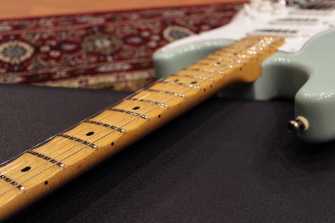 Fender_YJM_SG_Fret.jpg