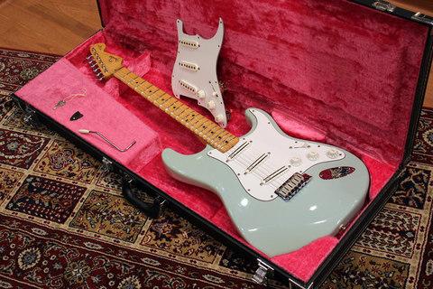 Fender_YJM_SG_Main2.jpg