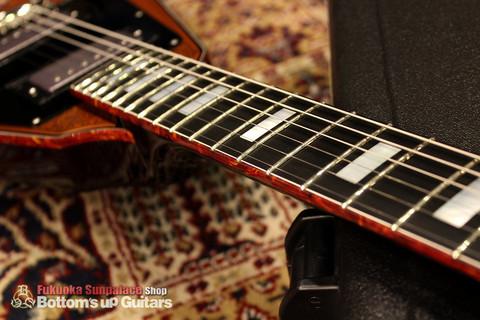 IHush_FV_SASORI_Binding.jpg IHush GuitarsのフライングVタイプ 蠍彫金