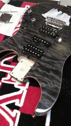 Suhr Standard Quilt Set-Up / Suhrのメンテナンスはボトムズアップギターズ